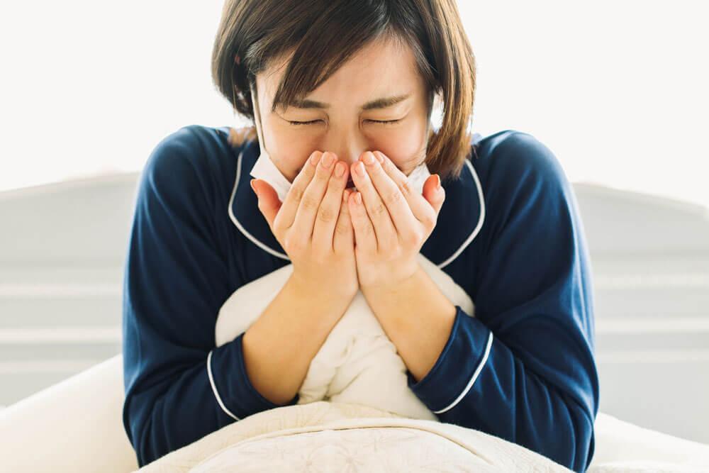 肌が花粉に反応して起こるのが花粉症皮膚炎