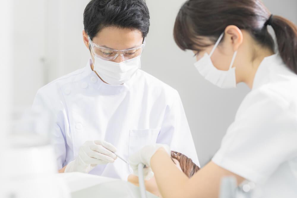 ホワイトニングやセラミック治療