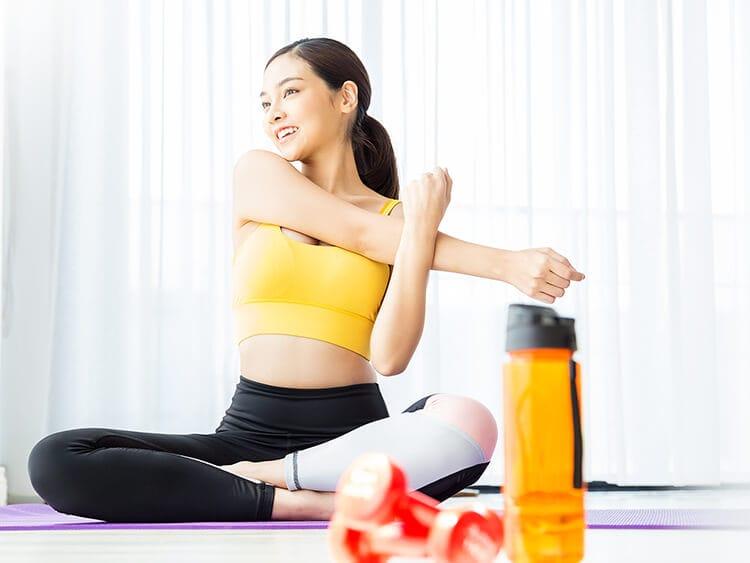 運動している女性イメージ